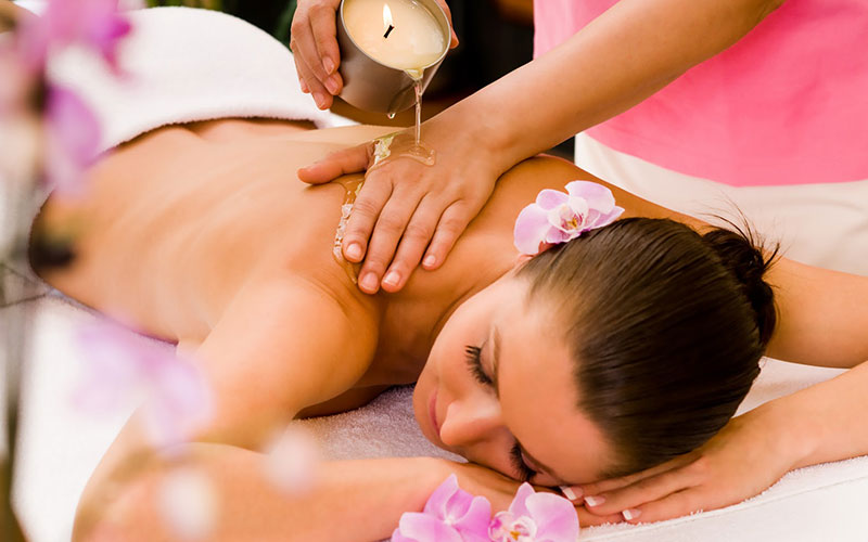 Candle body massage