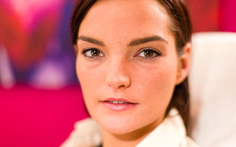 Na permanent make-up eyeliner behandeling