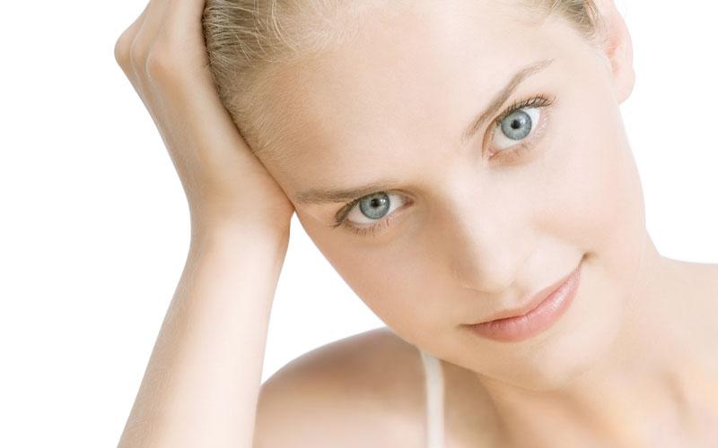 Microdermabrasie is een fantastische pijnloze techniek om de huid gladder, zachter en frisser te maken.
